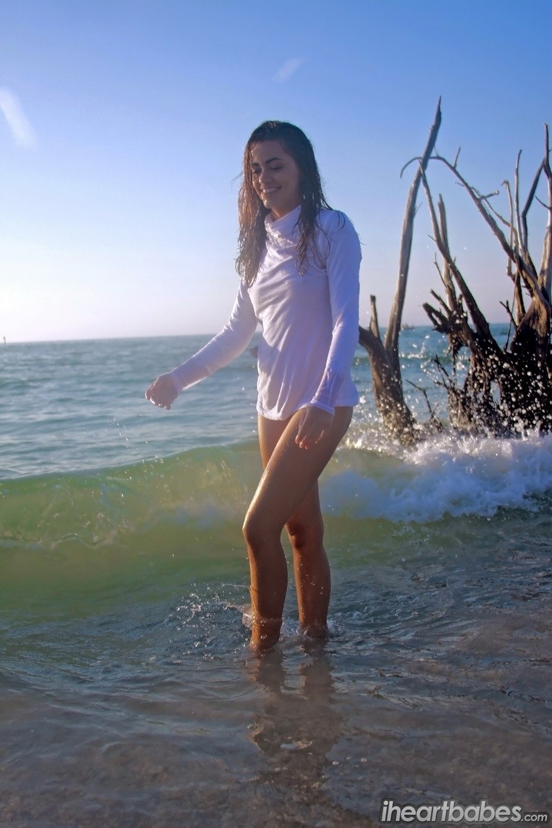 layla porn in beach