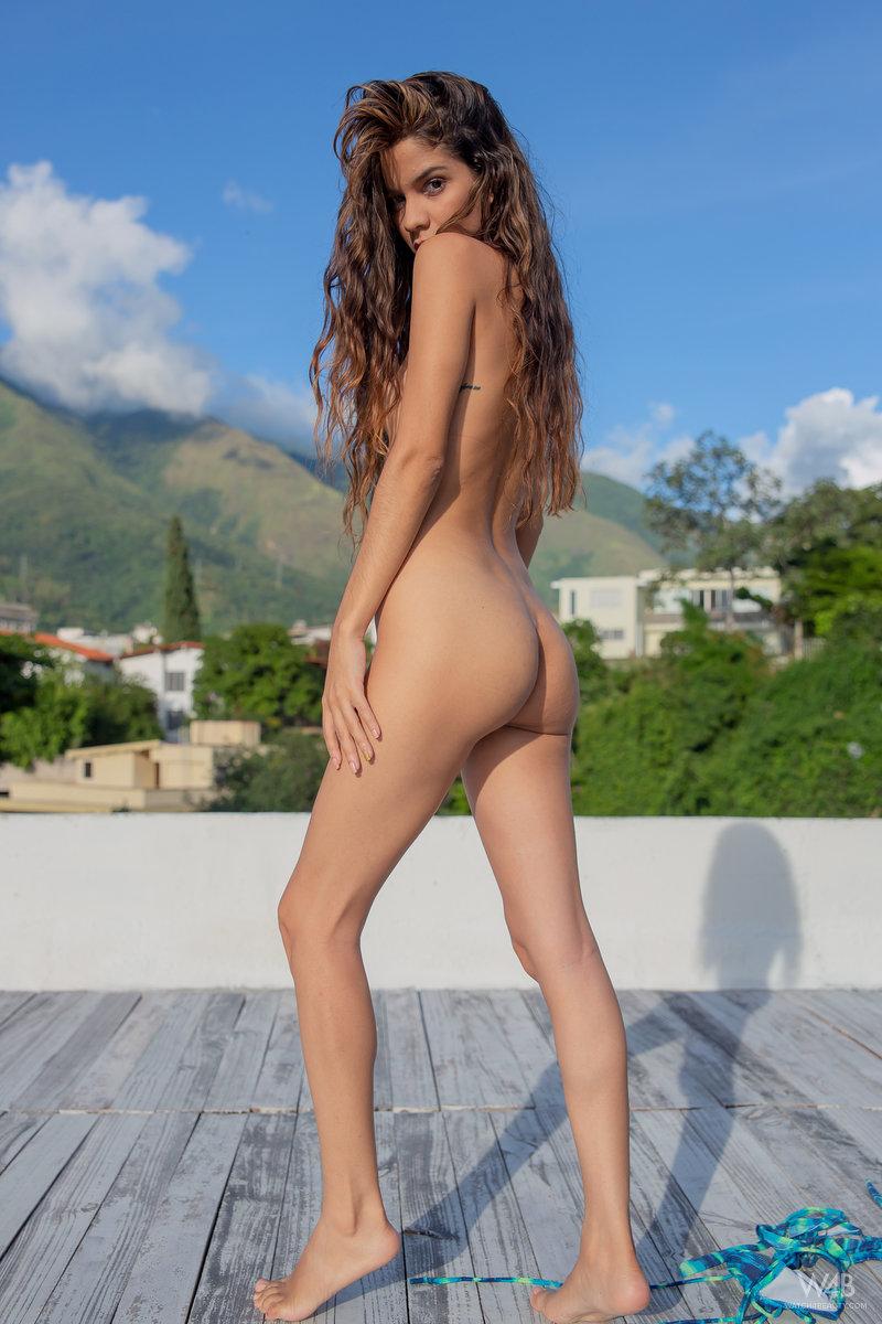 Nude legs pics