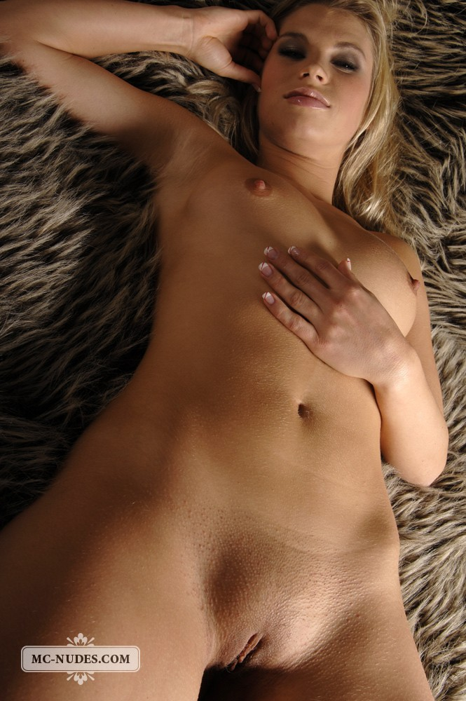 from Emilio sexy blond girl picture