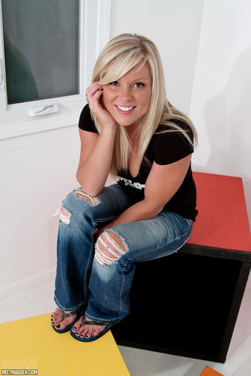 Hayley mcqueen sky sports presenter