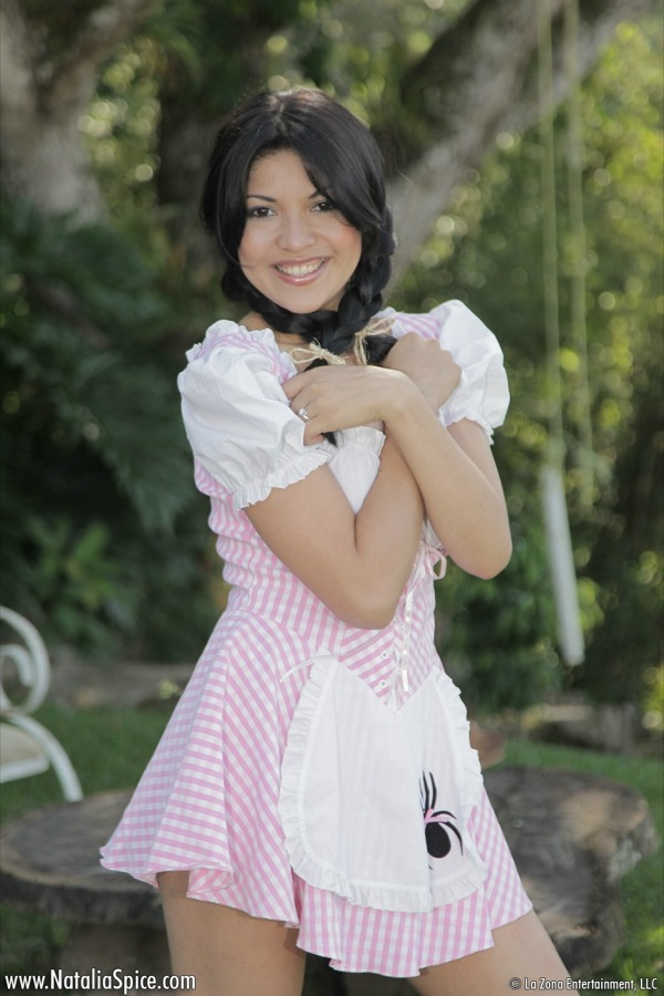 Little Miss Muffet outfit is irresistible as model Natalia