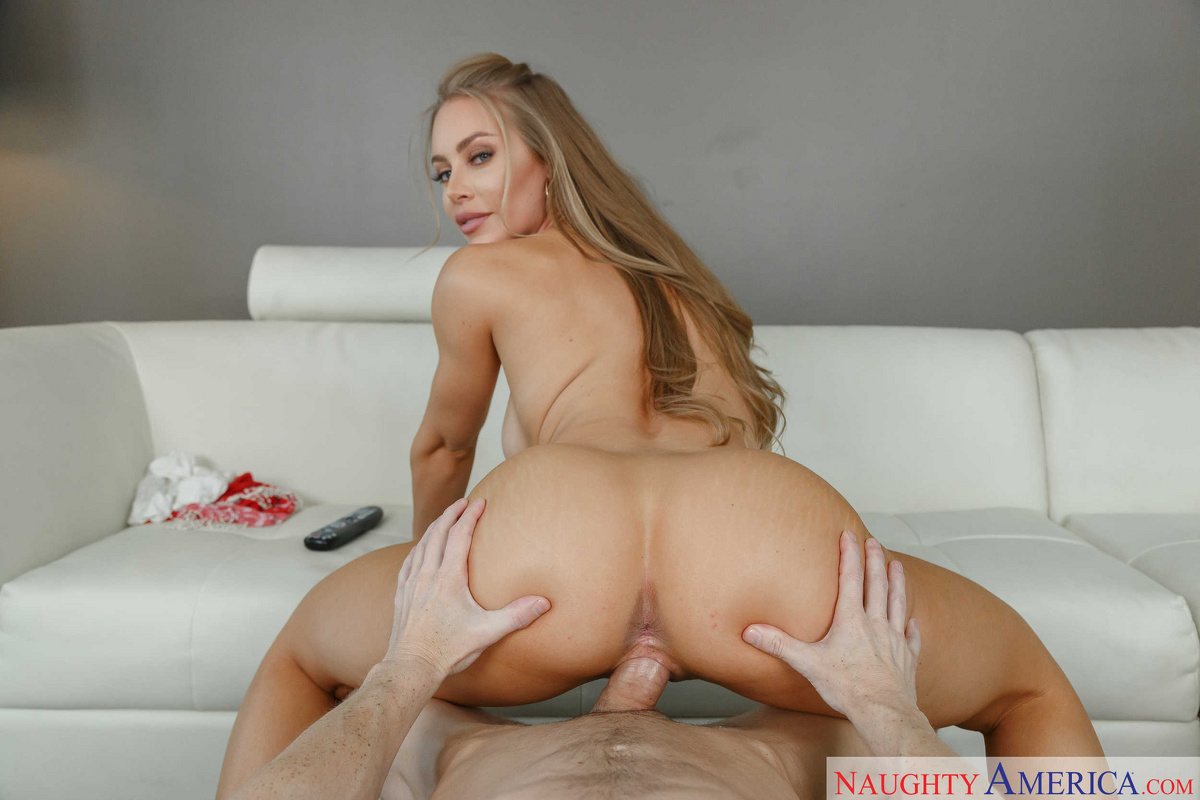 Naughty america vr exxxxtra sausage pizza for naomi woods 2
