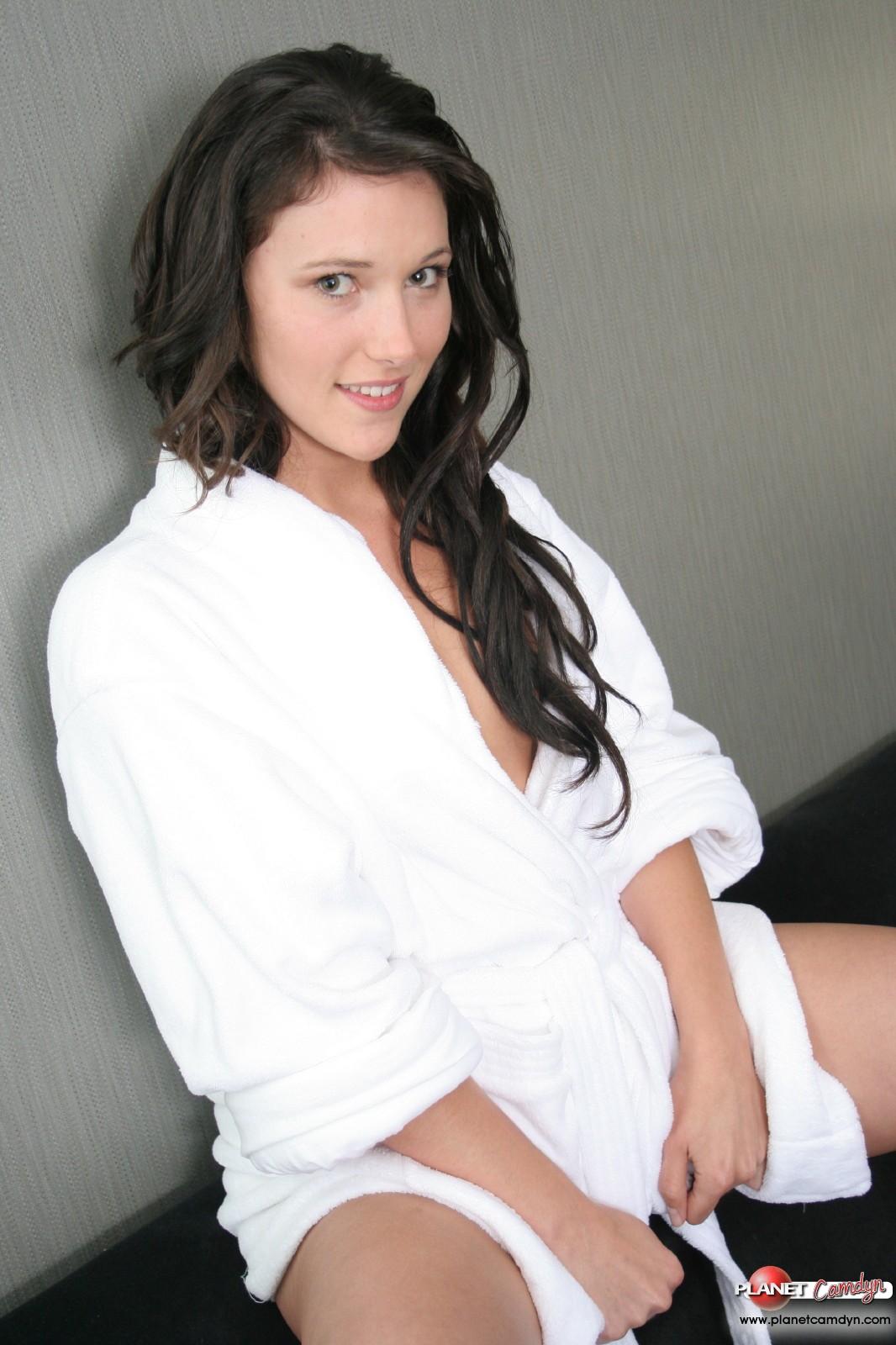 naked girl in robe porn pics