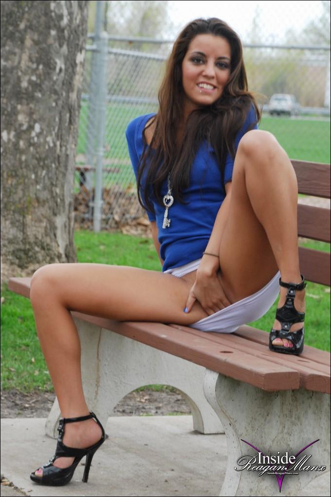 Answer, matchless Park bench upskirt no panties