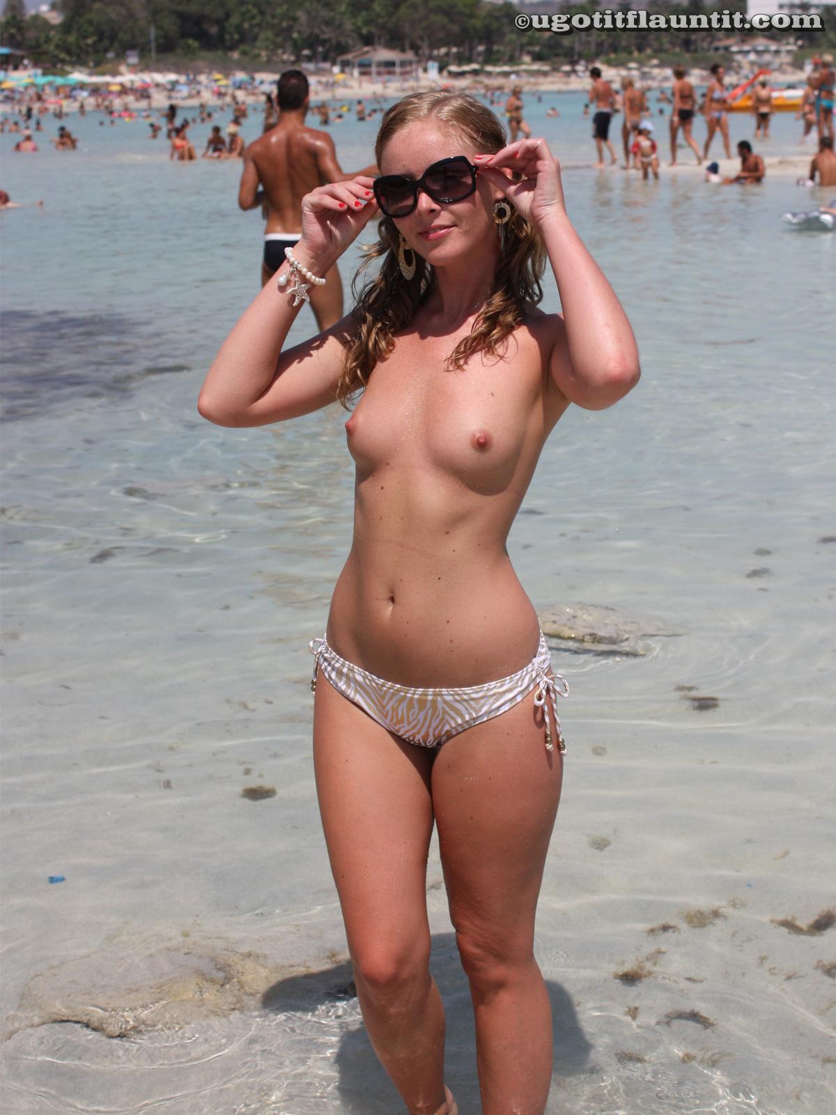 Фото как загорают дамы на пляже 8 фотография